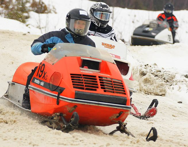 Final, sorry, Lincoln vintage snowmobile race